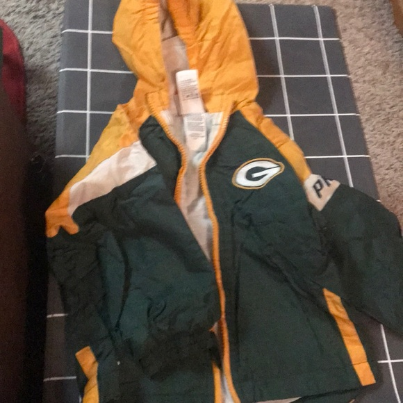 e2b2cf8b Childs Packers NFL windbreaker